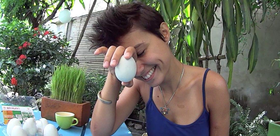 Сладкое и нежное утиное яйцо с зародышем